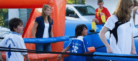 Fußball-Spaß beim Familientag 2011