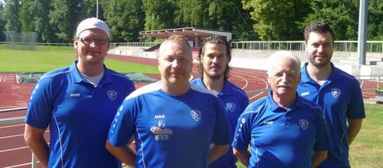der Trainerstab im Herrenbereich mit Vorstand Burzer; es fehlt Mike Wollens; Foto: Jens Homann